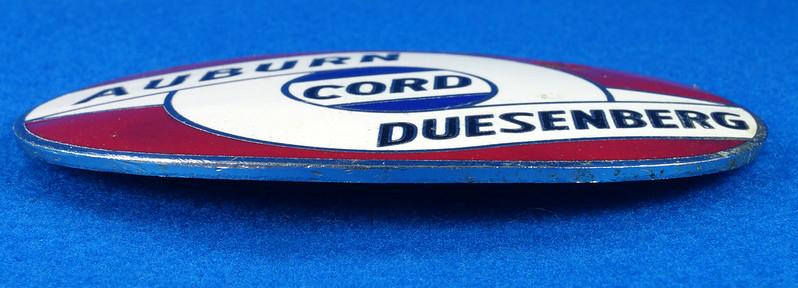 RD29642 RARE! Vintage AUBURN CORD DUESENBERG Badge Emblem Bumper License Plate Topper DSC07277