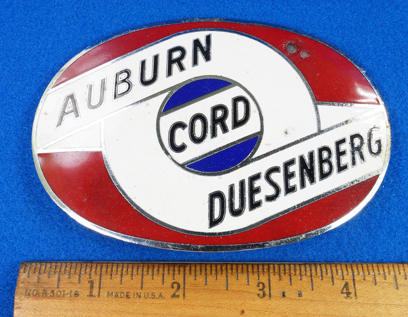 RD29642 RARE! Vintage AUBURN CORD DUESENBERG Badge Emblem Bumper License Plate Topper DSC07272
