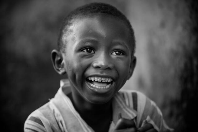 Burkina faso : enfant de l'ethnie Sénoufo