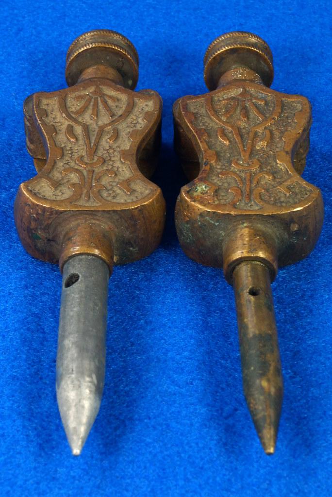 RD29247 Pair Antique Stanley Trammel Points Set Ornate Brass on 30 inch Stick DSC07330