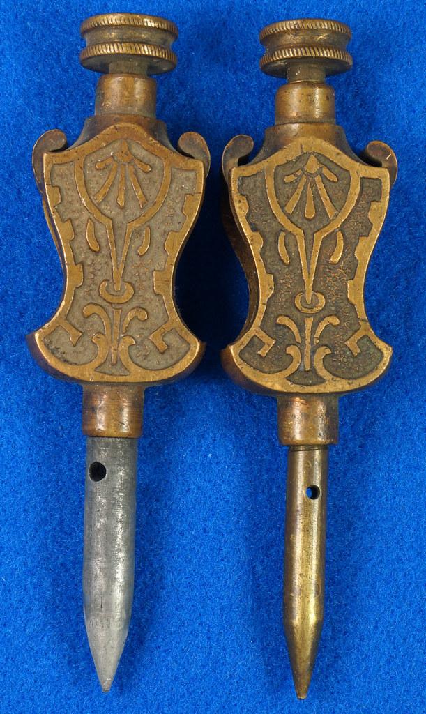RD29247 Pair Antique Stanley Trammel Points Set Ornate Brass on 30 inch Stick DSC07328
