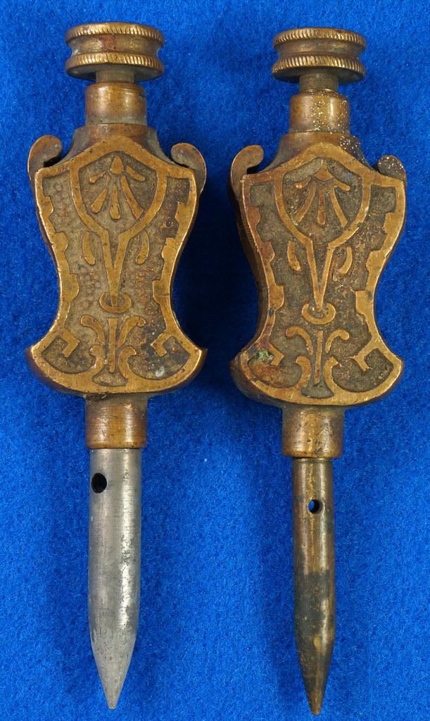 RD29247 Pair Antique Stanley Trammel Points Set Ornate Brass on 30 inch Stick DSC07327