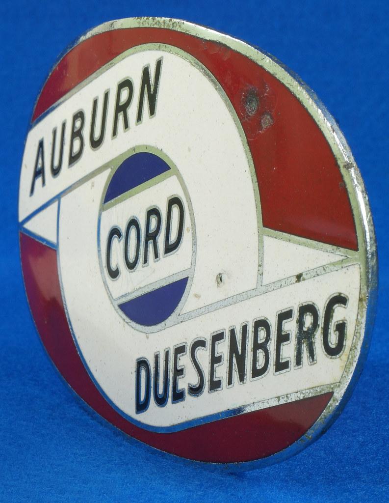 RD29642 RARE! Vintage AUBURN CORD DUESENBERG Badge Emblem Bumper License Plate Topper DSC07280