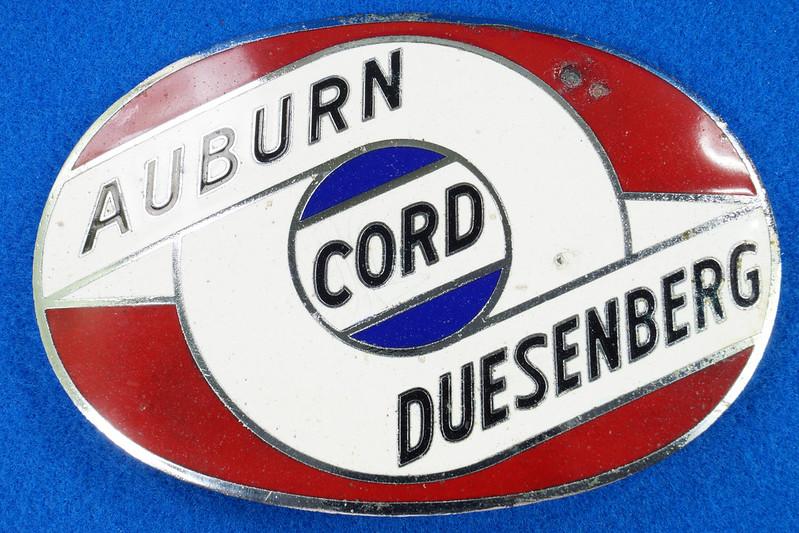 RD29642 RARE! Vintage AUBURN CORD DUESENBERG Badge Emblem Bumper License Plate Topper DSC07273