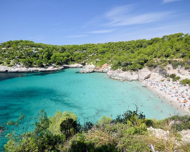 Cala Mitjana, uma das melhores enseadas de Menorca