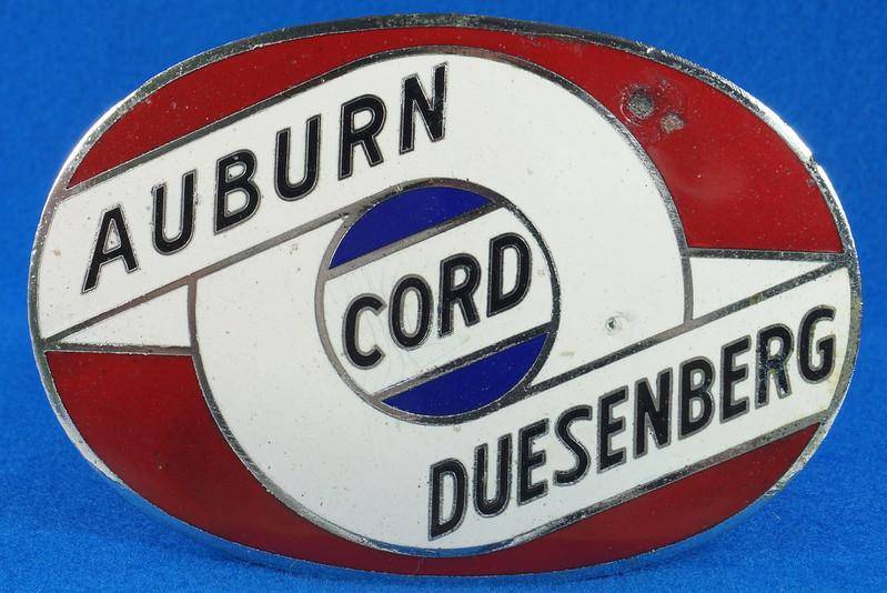 RD29642 RARE! Vintage AUBURN CORD DUESENBERG Badge Emblem Bumper License Plate Topper DSC07278