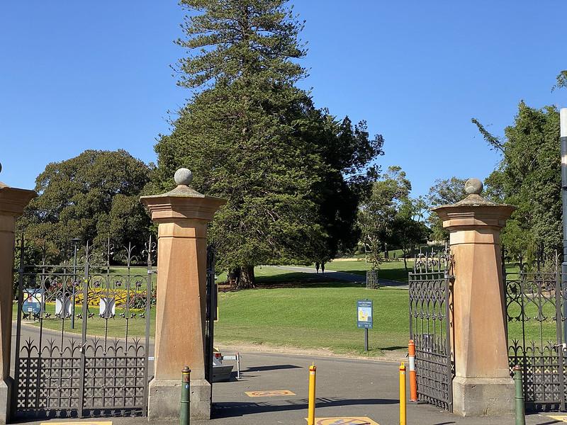 Royal Botanic Gardens gate