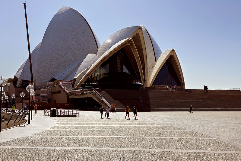 Opera House, COVID desertion