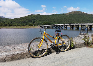 Yellow bike at Penmaenpool