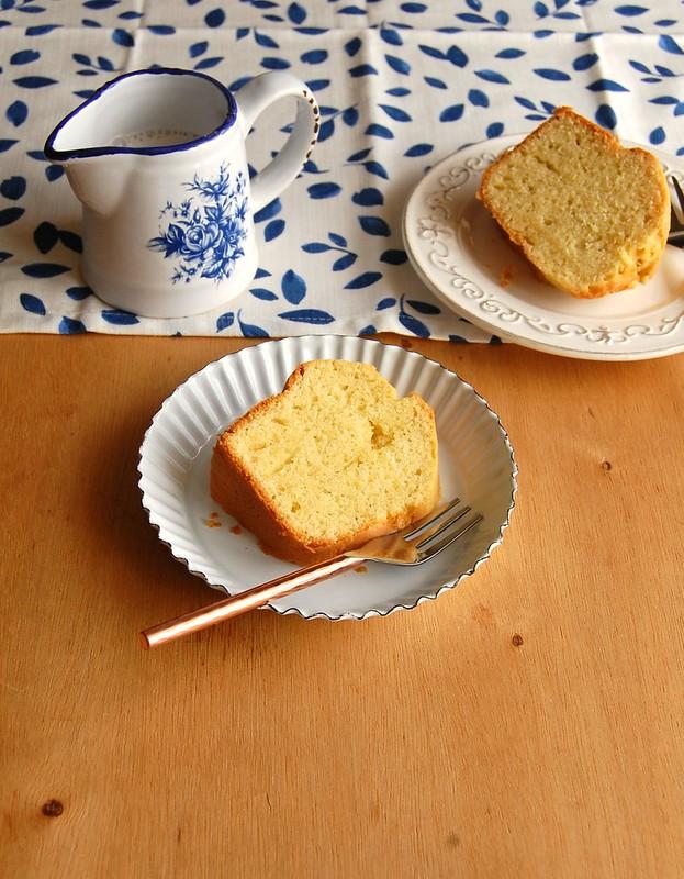 Bolo de azeite e limão / Lime olive oil pound cake
