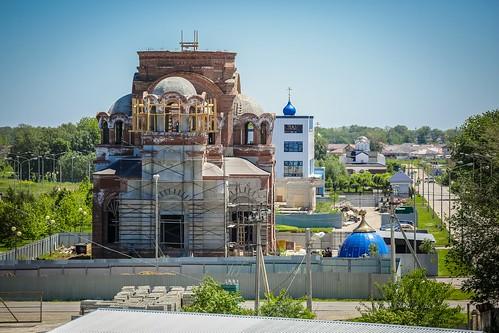 08 июня 2020, Митрополит Кирилл совершил освящение креста и купола для строящегося храма святителя Николая Чудотворца г. Михайловска