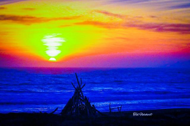 #worldoceansday 2020  tedfletcherphotography.com #teamcanon #sunset #cambria #sanluisobispo #slocal #slocounty #California #centralcalifornia #centralcoast #travel #rural #beach #visitcalifornia