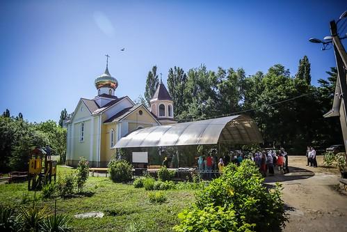 08 июня 2020, В день Святого Духа митрополит Кирилл совершил Литургию в храме благоверного князя Андрея Боголюбского г. Михайловска