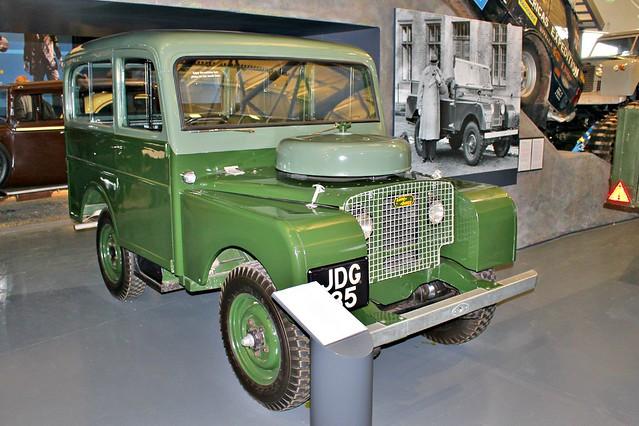 084 Land Rover 80 Ser. 1 Tickford Station Wagon (1949) JDG 135