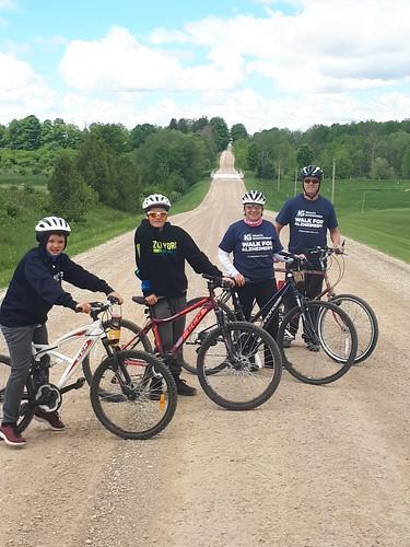 deBoer family biking for Alzheimer's