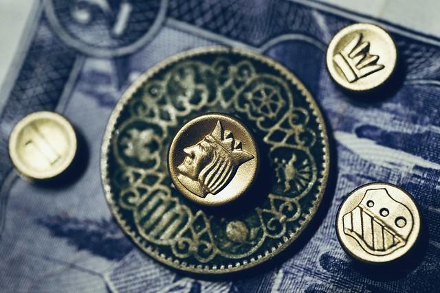 Moneda sobre moneda