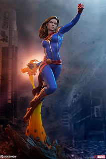 Sideshow Collectibles Avengers Assemble 系列【驚奇隊長】Captain Marvel 1/5 比例全身雕像 普通版/EX版
