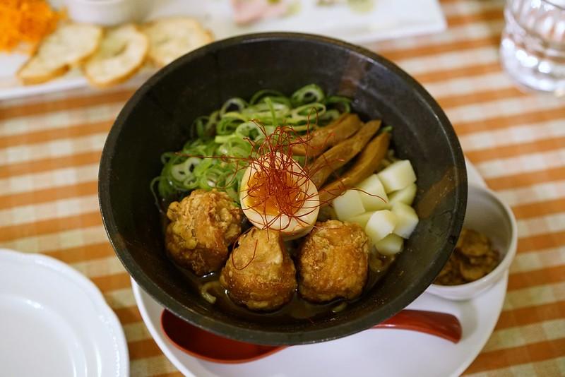 麺ビストロNAKANO_ピリ辛まぜそば
