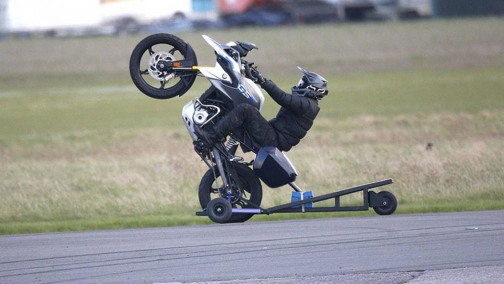 Tom Cruise Mission: Impossible-7 Shooting Wheelie