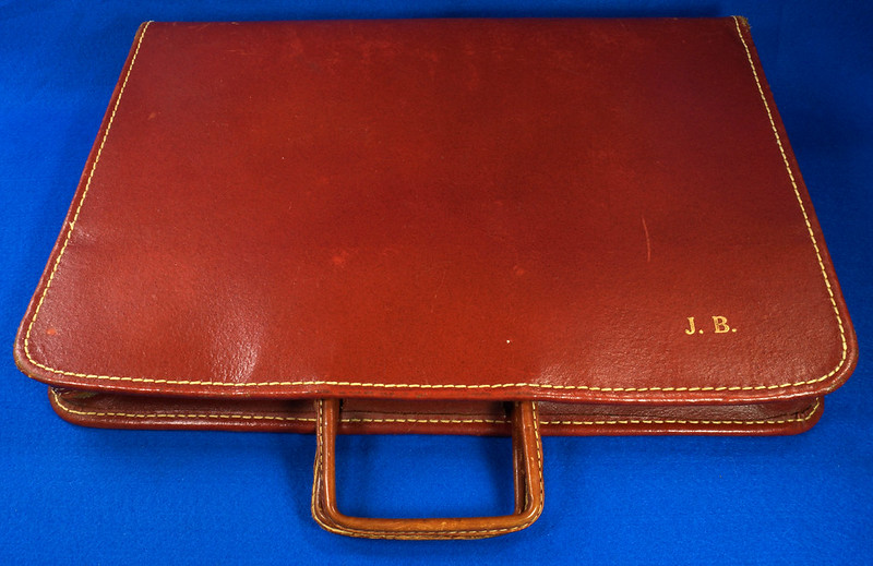 RD24057 Vintage Mid Century Leathercraft Chicago Split Cowhide Leather Briefcase, Attache DSC07540