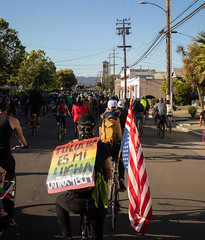 East Bay Bike Party solidarity ride
