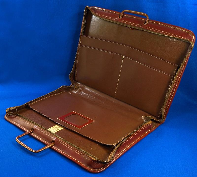 RD24057 Vintage Mid Century Leathercraft Chicago Split Cowhide Leather Briefcase, Attache DSC07551