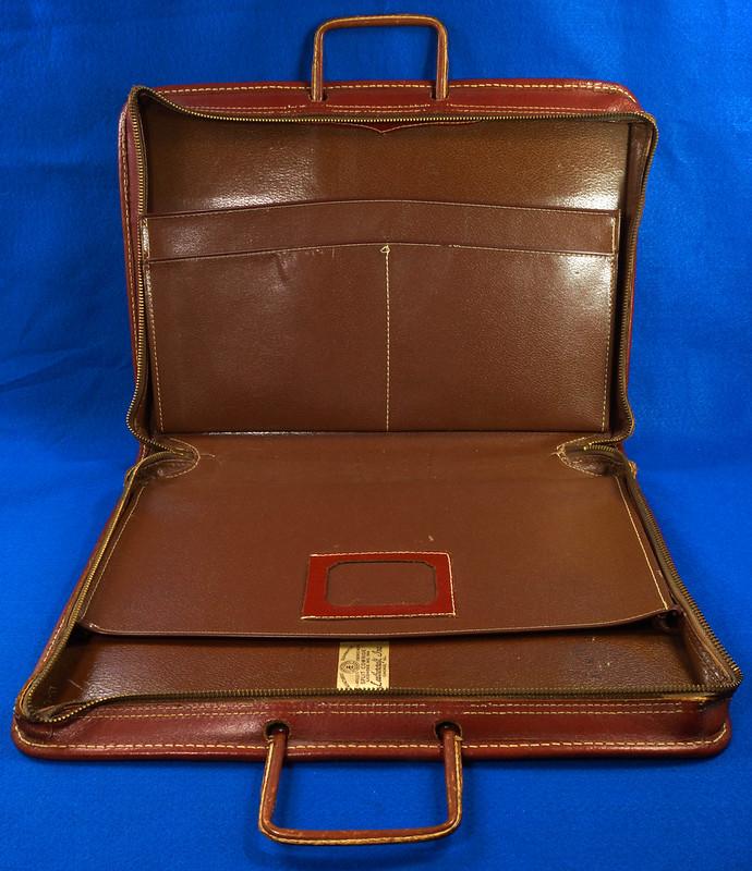 RD24057 Vintage Mid Century Leathercraft Chicago Split Cowhide Leather Briefcase, Attache DSC07549