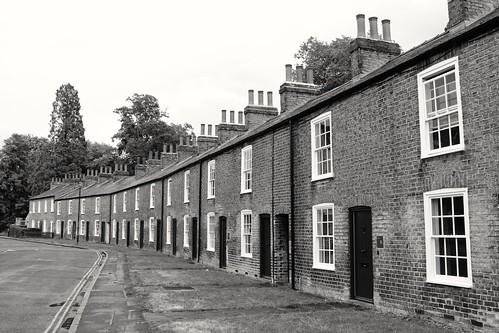 lowerparkstreet cambridge blackwhite jesusgreen terraced houses 19thcentury historic architecture cambridgeshire england unitedkingdom uk snapseed canoneos750d explored