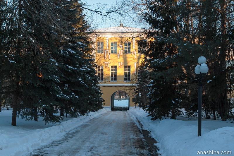 Фасад Лефортовского дворца со стороны внутреннего двора