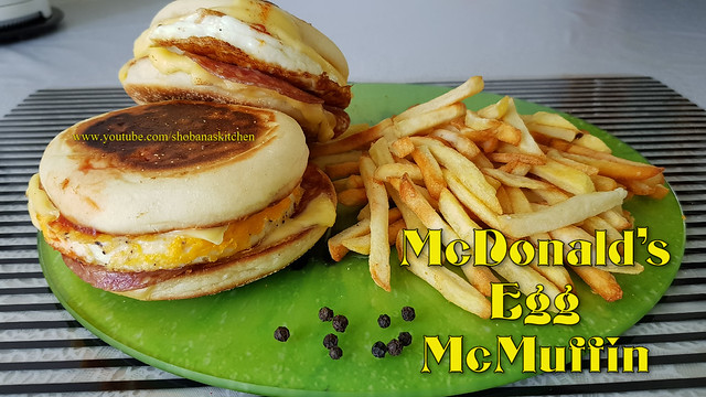 McDonald's Egg McMuffin Without Oven / Homemade Egg McMuffin Recipe / Shobanas kitchen