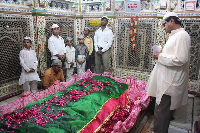 City Faith - Hazrat Amir Khusro's 716th Urs, Hazrat Nizamuddin Auliya's Sufi Shrine