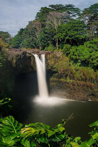 rainbowfalls water waterfall wasser wasserfall longexposure langzeitbelichtung hawaii bigisland nd haidaneutraldensityndfilters canoneosr canonrf24105 landscape landschaft usa