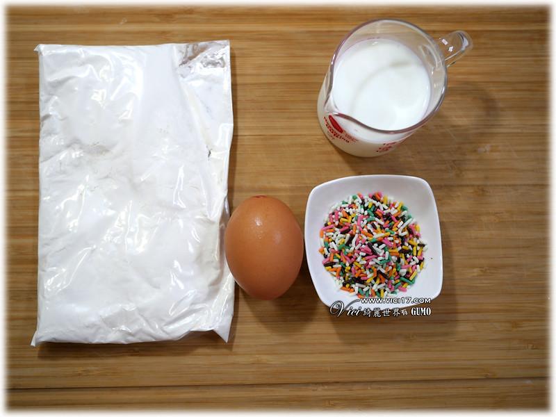 彩虹奶油霜杯子蛋糕001