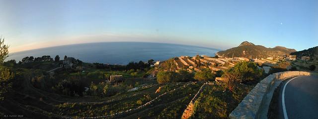 Terrazas en Banyalbufar - Breathtaking Sunset view of Banyalbufar in Majorca / Balearic Islands