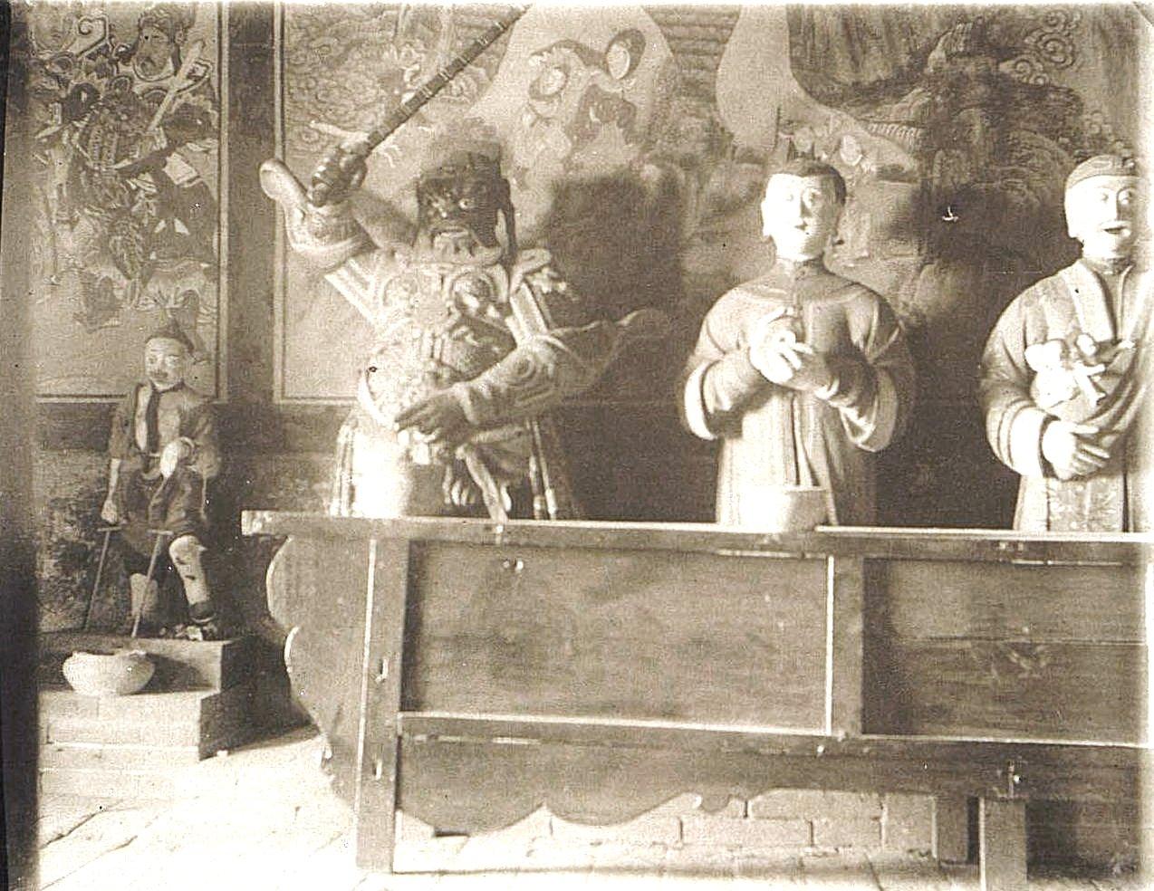 39. «Кумирня священного озера в окрестностях Гирина». Ноябрь 1900 г.