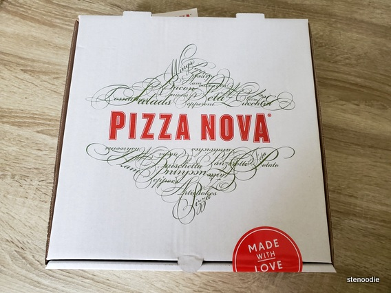 Pizza Nova pizza box