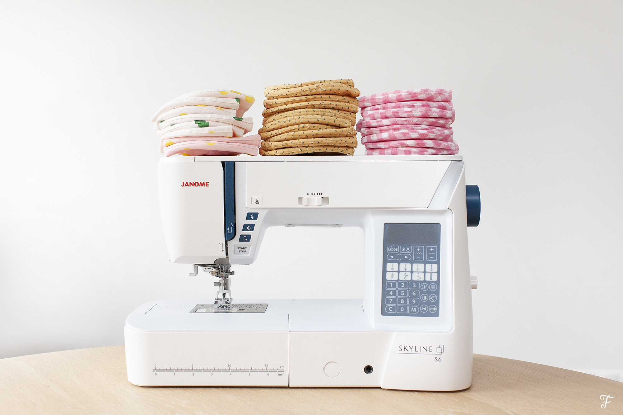 FENSISMENSI facemask skyline s6 janome sewing machine covid 19
