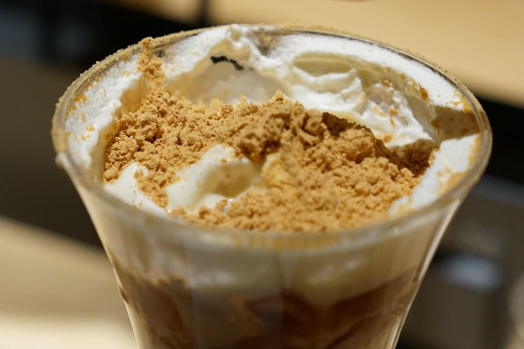 KINAKO ROASTERY & CAFE 焦がしきな粉パフェ_05