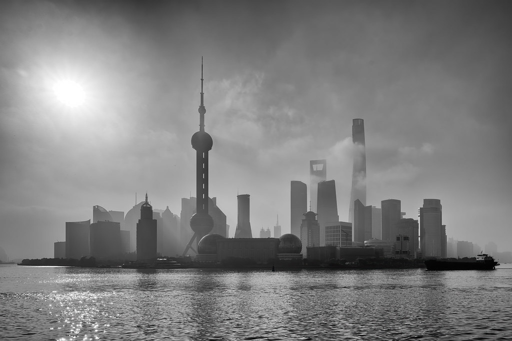 Shanghai en un día de contaminación en Urbana y Arquitectura49990953416_810664a093_b