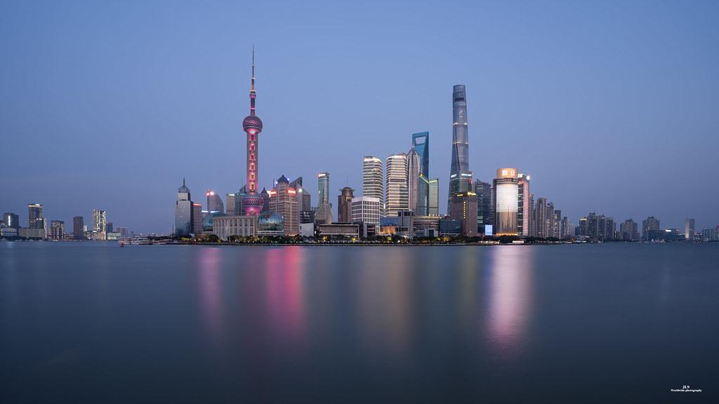 Shanghai Skyline en la hora azul, nunca me caso de fotografiarlo. en Urbana y Arquitectura49991185432_fda1895910_b