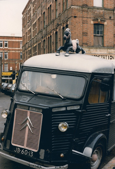 Van, Rushcroft Rd, Brixton, 1987 TQ3175-001