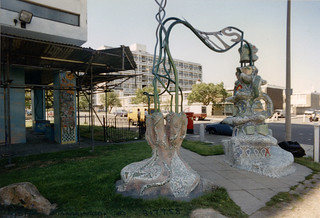 Sculpture, Flats, Barrington Rd, Brixton, 1989 TQ3175-014