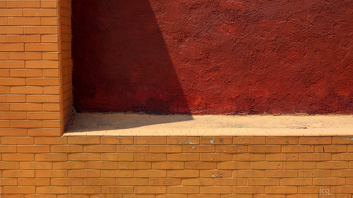 Pared.  Wall. | by jcasaresq
