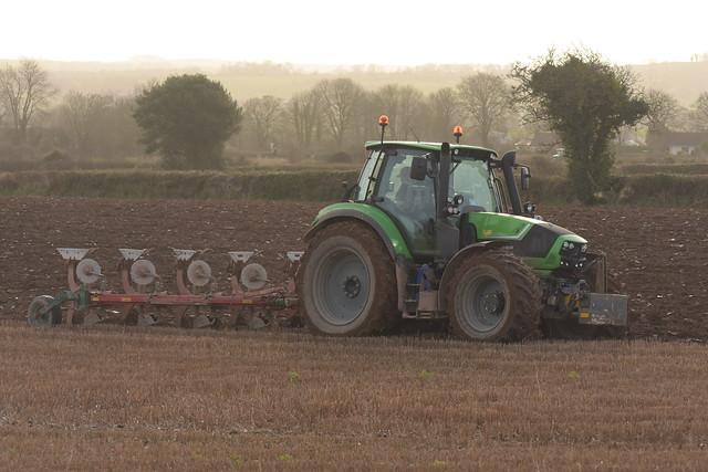 Deutz Fahr Agrotron 6190 TTV Tractor with a Kverneland 5 Furrow Plough