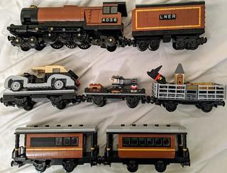 Adventurers - Sam Sinister's private train with 4-6-2 steam loco - complete consist