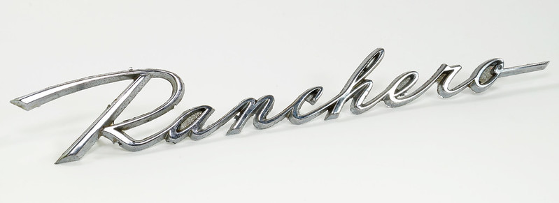 RD28348 1960-1965 Ford Ranchero C1DB-16098-C Original Script Emblem Falcon 4 Post DSC07656