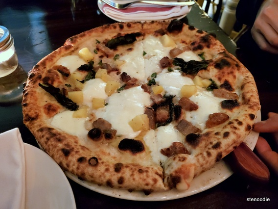 Mauna Loa pizza