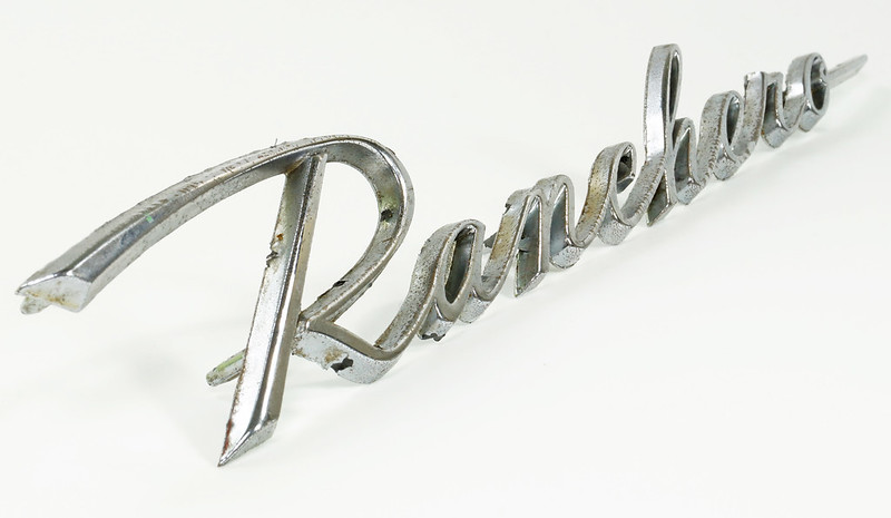 RD28348 1960-1965 Ford Ranchero C1DB-16098-C Original Script Emblem Falcon 4 Post DSC07662