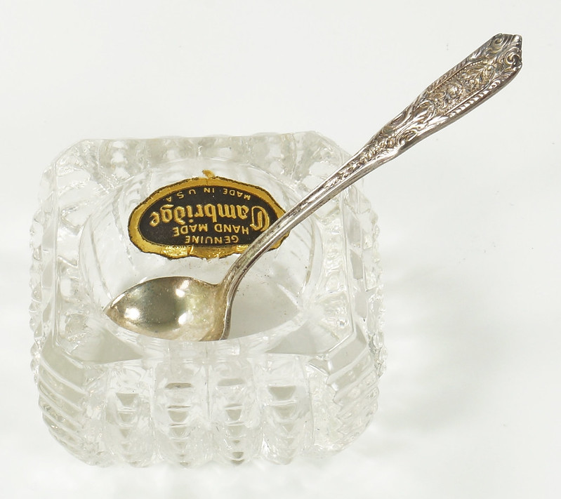 RD26566 Vintage Westmoreland Sterling SIlver Salt Spoon and Cambridge Glass Dish DSC07700