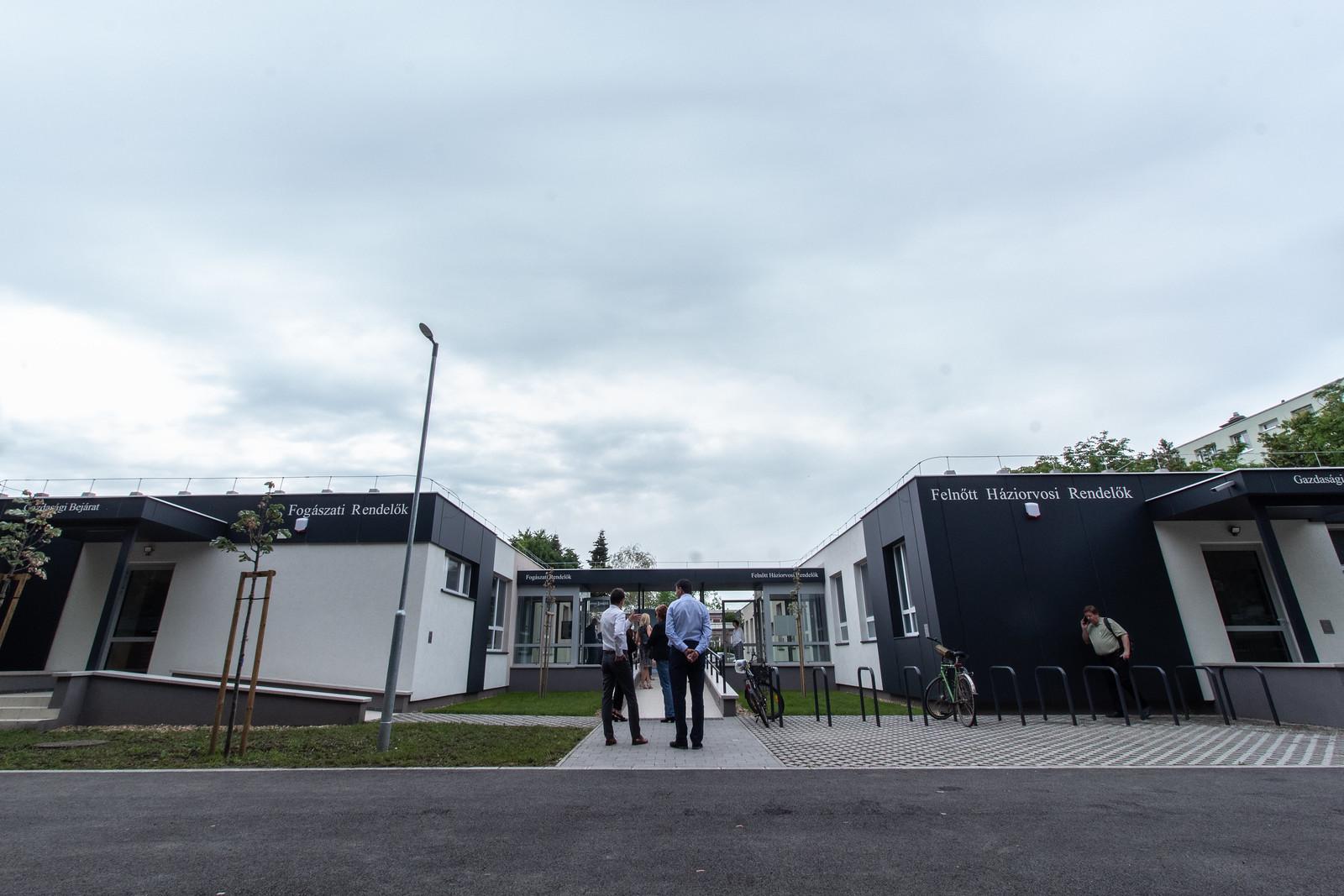 Új orvosi rendelőket adtak át a Gáspár Zoltán utcában